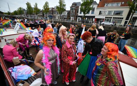 Boten op de pride in Leeuwarden.