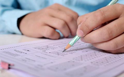 Centrale eindexamens gaan niet door, schoolexamens bepalend voor slagen