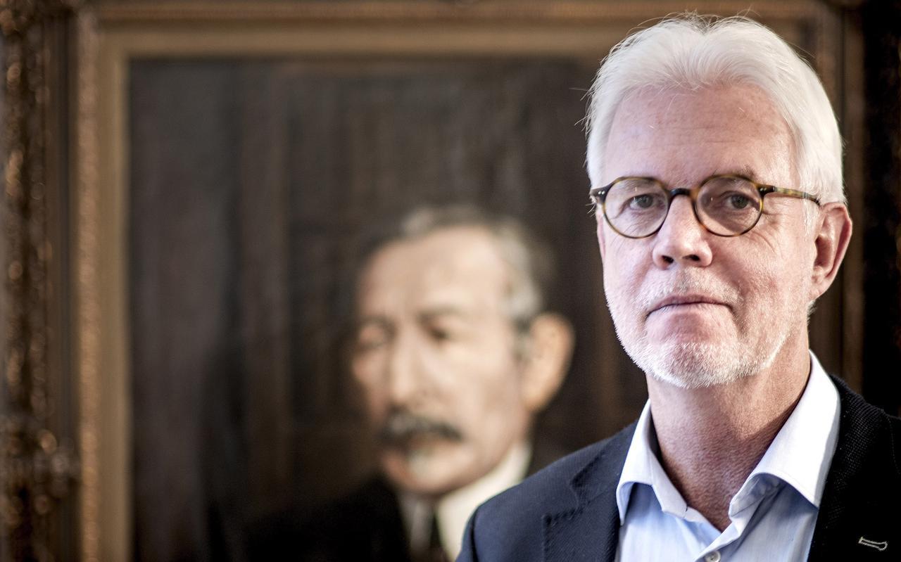 Wiebe Wieling vertrekt als baas van scholenkoepel Piter Jelles. Hij slaagde erin de verweesde organisatie weer op de kaart te zetten: ,,Ik bin wol in ferbiner.''