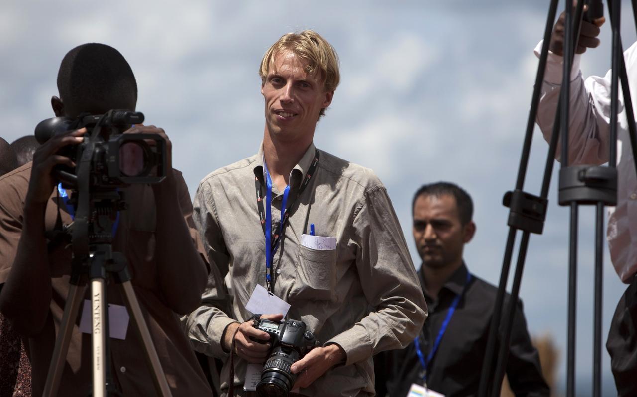 Arne Doornebal als verslaggever en fotograaf in Oeganda. EIGEN FOTO