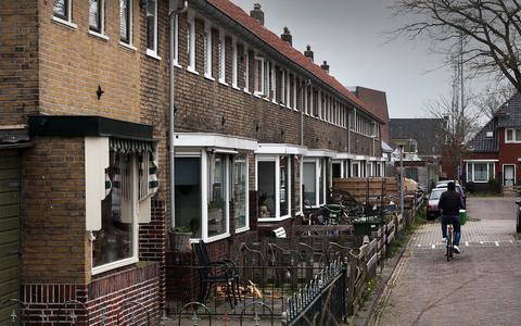 Leeuwarden, de Bleekkerkstraat in de Vlietzone.
