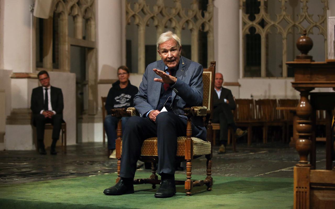 Jan Terlouw geeft een college tijdens de opening van het academisch jaar in de Martinikerk in Franeker.