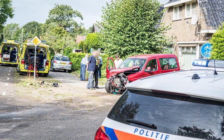 Gewonden bij botsing tussen autos op kruising Steggerda.
