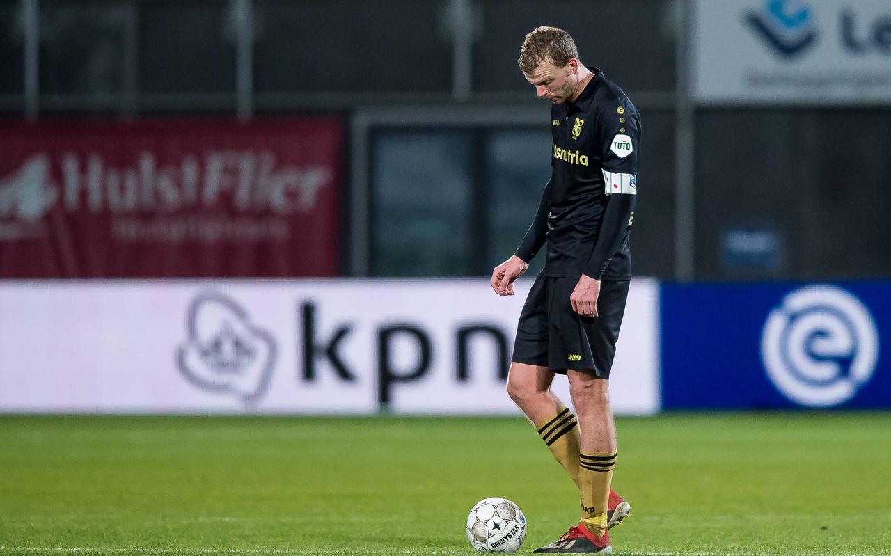 Henk Veerman maakt zich op voor alweer een aftrap in Zwolle.
