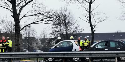 Bij het ongeluk waren vier voertuigen betrokken. FOTO JAN DOUWE GORTER