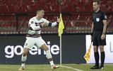 'Heet' avondje Friese assistenten: ontgoochelde Ronaldo smijt aanvoerdersband weg