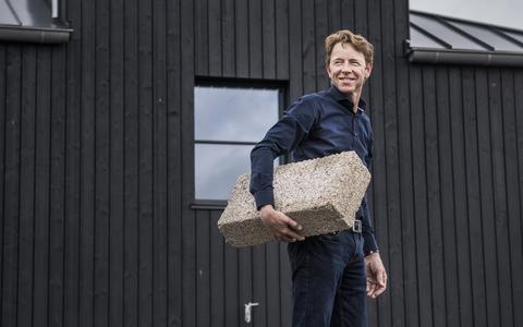Gerrit Hiemstra bouwde zijn duurzame droomhuis in Friesland