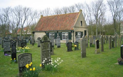 Boek over grafcultuur op Ameland biedt bijzondere inkijk op geschiedenis van het eiland en zijn bewoners