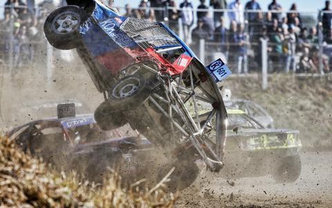 Autocrossers in Kollum luiden de noodklok: Club zit financieel in zwaar weer