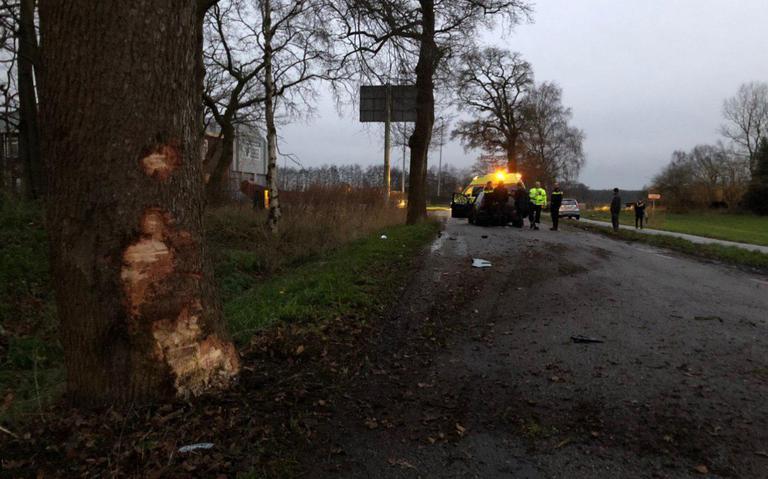 Autos in botsing bij Oosterwolde.