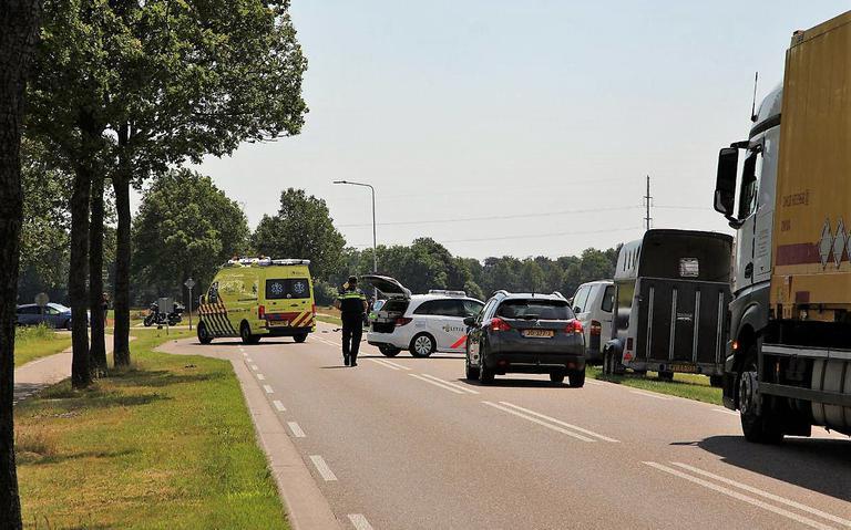 Motorrijder overlijdt door aanrijding met auto bij Gorredijk.