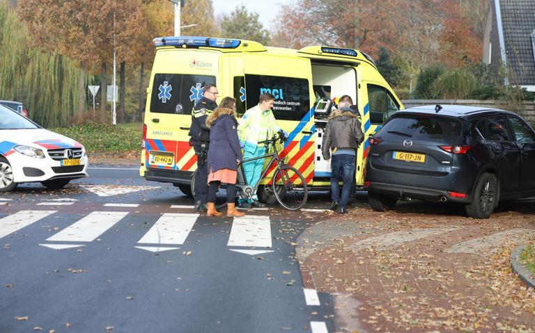 Botsing tussen fiets en auto op de Lauwers bij Drachten.