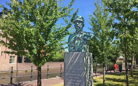 Zo werd generaal J.B. van Heutsz, geboren in Coevorden, op een voetstuk gezet (en er weer afgetrokken)