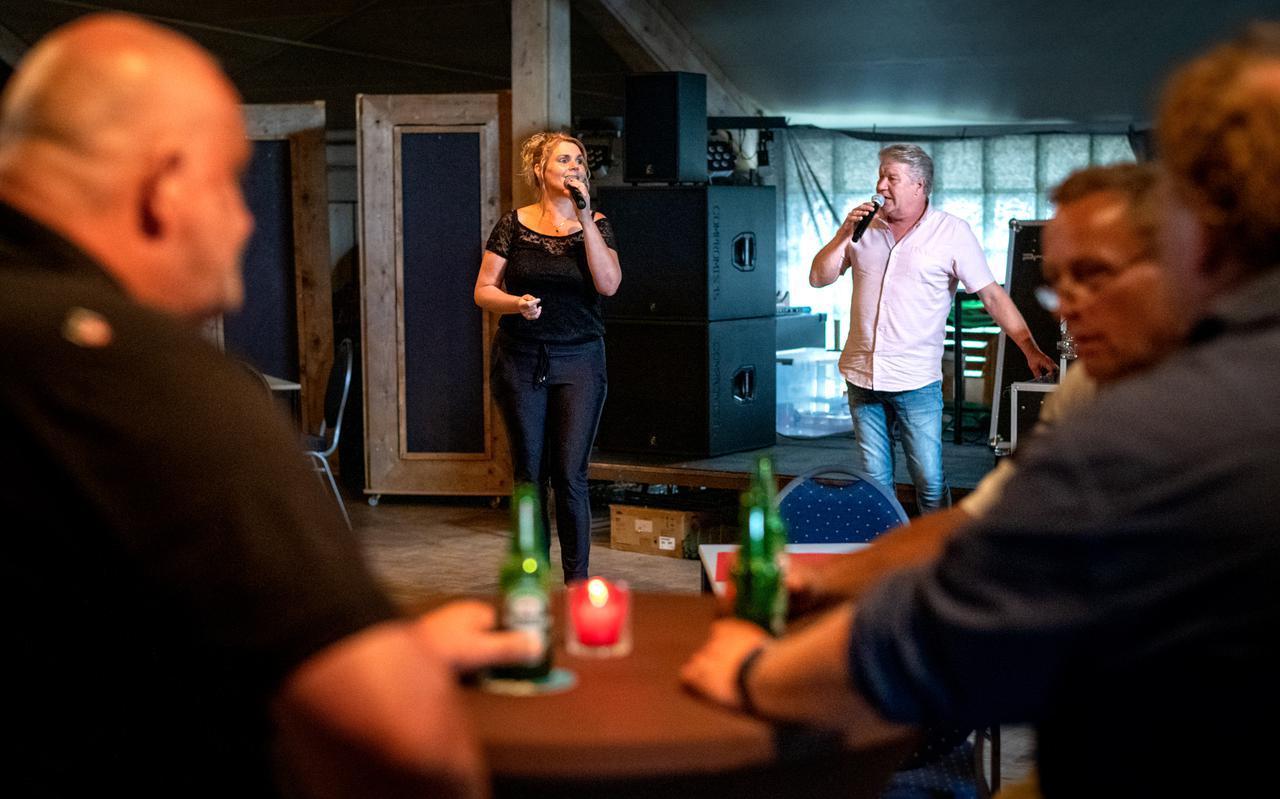 Joepie en Sandra zijn bekend in de piraten wereld. Zondag waren ze in café de Welling.