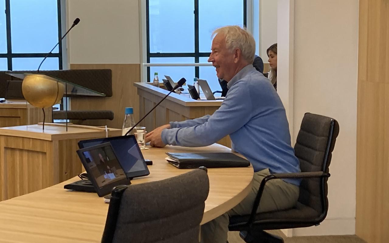Sjoerd Tolsma aan het begin van zijn verhoor over Empatec in de raadszaal van Súdwest-Fryslân.