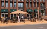 Lekkers van de markt, op een toplocatie in de binnenstad van Groningen   buiten de deur