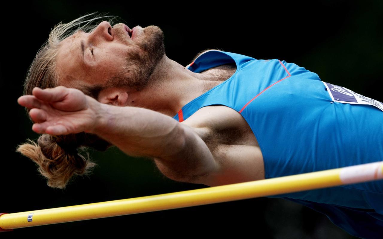 Douwe Amels in actie op het NK, waar hij zijn vijftiende nationale titel veroverde, maar de olympische limiet miste.