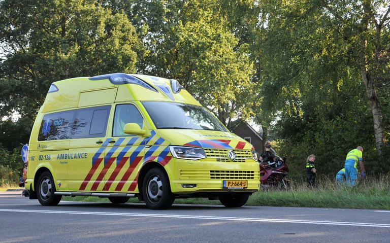 Motorrijder gewond na aanrijding met auto in Oosterwolde.