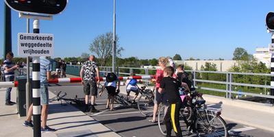 De nieuwe brug in Burgum kampte ook vorig jaar geregeld met storingen.