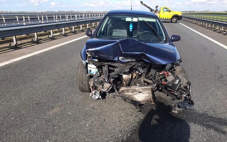 Hinder op haak bij Leeuwarden door ongeval.