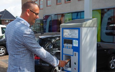 Gemeente Heerenveen voert contactloos betalen in bij dertien parkeerautomaten