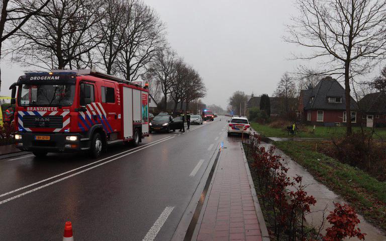 Veel schade bij kop-staartbotsing op N369 in Kootstertille, automobiliste gewond.