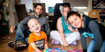 De familie Badri gaat door een zware tijd. Zoon Jayden in terminaal en zijn moeder is net geopereerd aan borstkanker. FOTO JILMER POSTMA