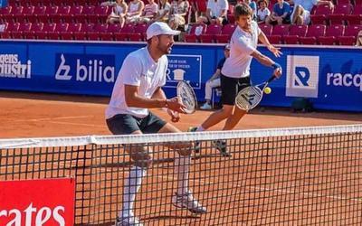 Sander Arends (rechts) en David Pel in actie in Bastad.