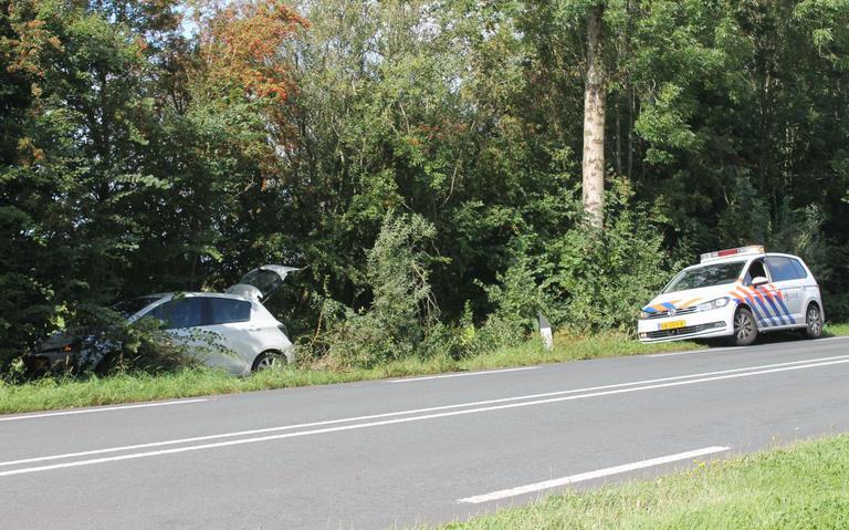 Meerdere ambulances ter plaatse bij eenzijdig ongeval Stiens.