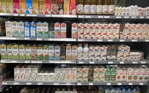 Melkvervangers rukken op in de supermarkt.