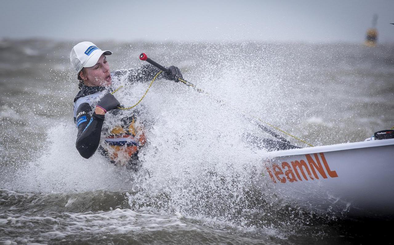 Marit Bouwmeester trainde deze zomer vrijwel dagelijks op de Noordzee bij Scheveningen.