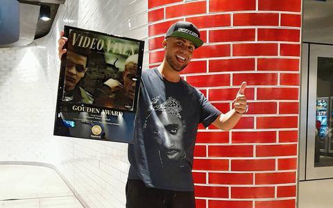 Hit 'Video Vixen' van producer Moker_B uit Leeuwarden is meer dan 17 miljoen keer beluisterd: 'Dit had ik niet durven dromen'