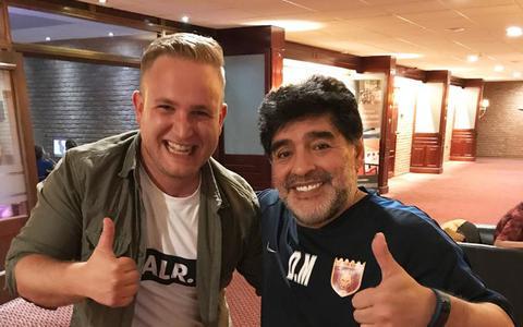 Leeuwarder Michael Joustra over zijn half uur met Maradona: 'Hij was nog altijd de man'