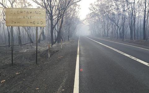 Oud-Sneker in Sydney: 'Mijn schoonmoeder woont op het pad van de bosbrand'