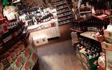 Glas is halfvol voor eigenaars café De Slock op Texel