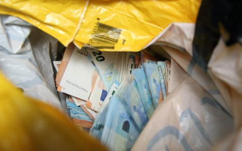 Een grote hoeveelheid geld, gevonden tijdens de klapdag op 2 maart 2020.