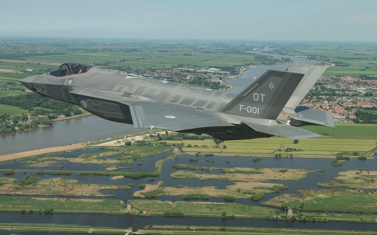 De eerste F-35 bij vliegbasis Leeuwarden