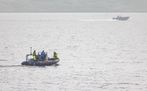 De zoekactie op het Lauwersmeer. FOTO CAMJO MEDIA