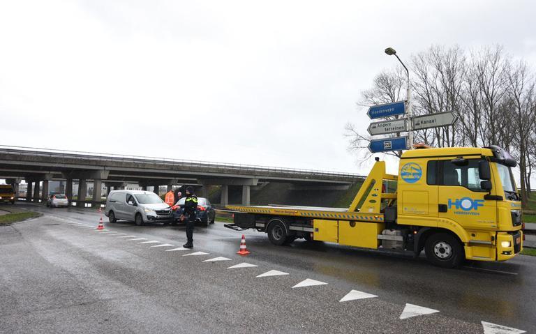 Gewonde bij botsing afrit A7 in Heerenveen.