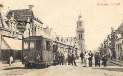 De Midstraat rond 1900.