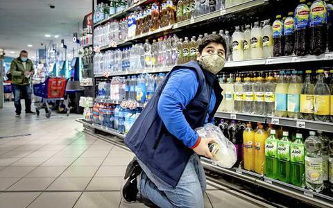 Steeds meer stress in winkels door mondkapjesweigeraars: 'Niemand wil een klap krijgen'