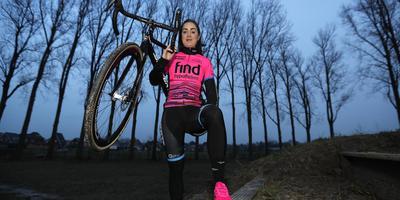 Laura Krans nam deze week al even een kijkje op het NK-parcours in Surhuisterveen. FOTO HENK JAN DIJKS