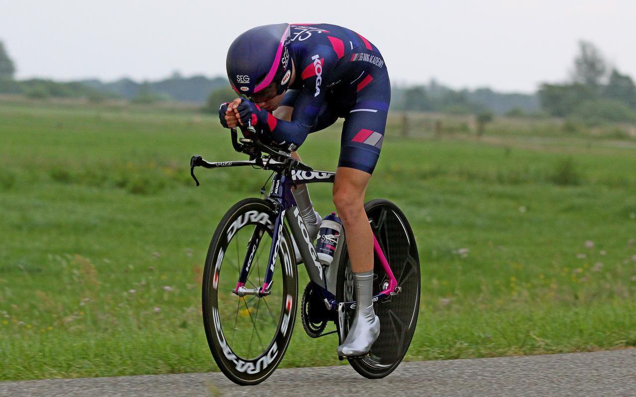 Hartthijs de Vries op weg naar de overwinning bij de beloften.  foto rudie ottens