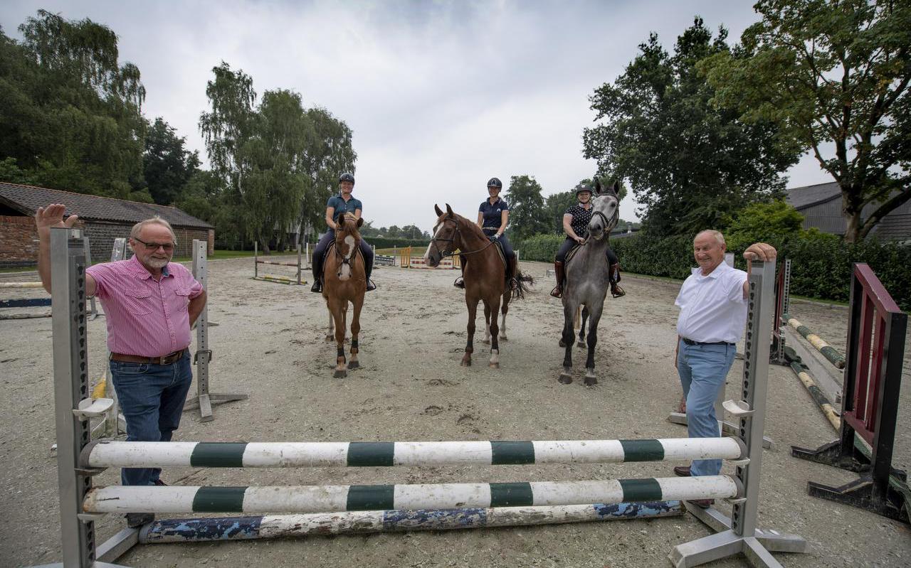 Doede Santema, Nella Bijlsma, Kim Jacobi, Catja Beers en Roel Duinstra (vanaf links).