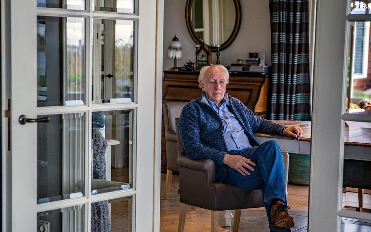 Riemer van der Velde, thuis in Langweer.
