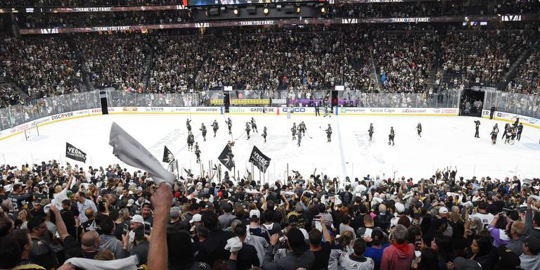 Elk duel volle tribunes, entertainment alom en doelman Marc-André Fleury in bloedvorm. Las Vegas heeft het ijshockey in de stad omarmd.