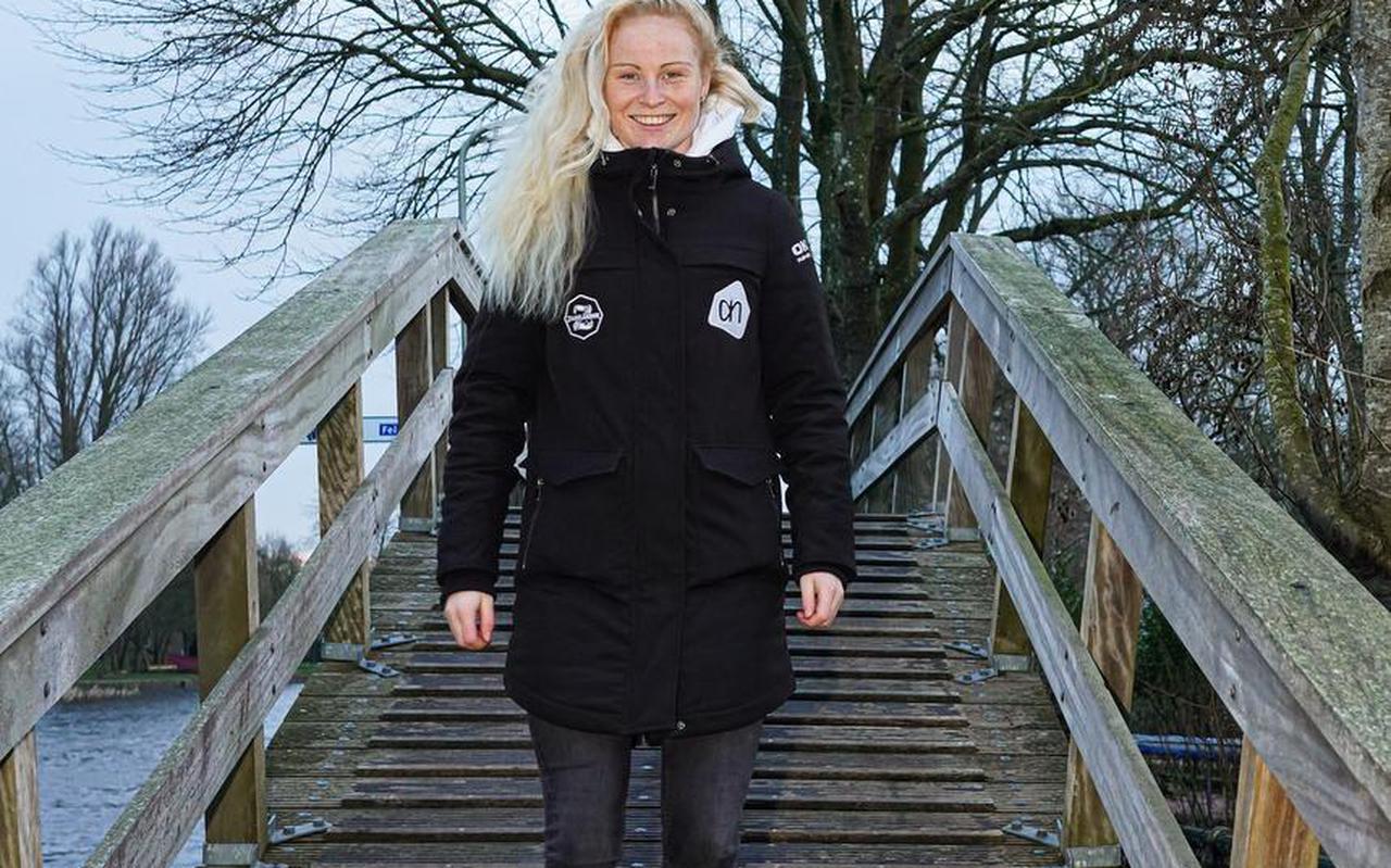 Marijke Groenewoud op het bruggetje van Bartlehiem, waar ze dolgraag nog eens onderdoor zou schaatsen.
