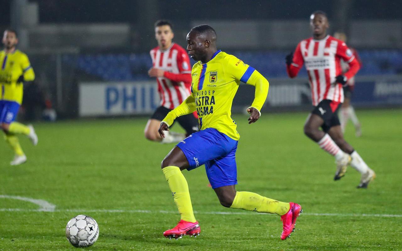 Invaller Issa Kallon zorgde met de enige treffer van de wedstrijd voor een fijne terugreis naar Leeuwarden.