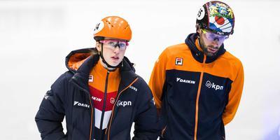 Suzanne Schulting (links) en Daan Breeuwsma gisteren tijdens de training in Dordrecht. FOTO ANP/BART MAAT