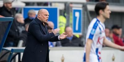 Interim-trainer Johnny Jansen pept zijn spelers op in de derby tegen FC Groningen. FOTO VI IMAGES